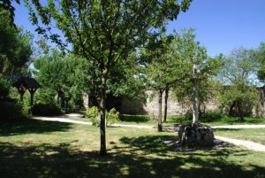 Tusson jardin monastique verger médieval